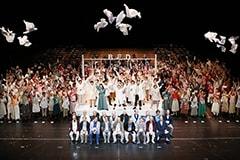 ゴールド・アーツ・クラブ「ノゾエ征爾演劇ワークショップ2018 成果発表『病は気から~レ・若さを歌おうラブル~』」より。(撮影:宮川舞子)