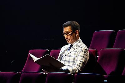 「井上ひさし『十二人の手紙』より『葬送歌』」より。中井貴一。(撮影:宮川舞子)